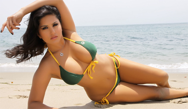 Kuspu Hot http://zeenews.india.com/entertainment/movies/no-blue-film-but-its-murder-3-for-sunny-leone_100633.htm