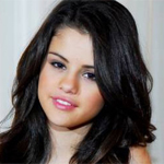 Selena Gomez content to be in Justin Bieber's company