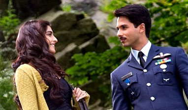 Review: Shahid-Sonam starrer 'Mausam' is poetry in motion!