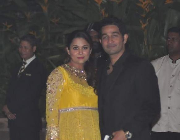 Very Pregnant Amrita Arora Poses With Her Husband Shakeel Ladakh