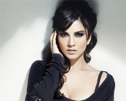 Sunny Leone - The new virus on the web!