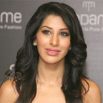 Sophie Choudry`s music video leaked online