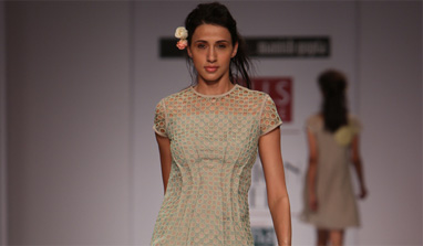 Wills India Fashion Week: Spring and the sea come together on the ramp!
