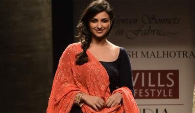 Parineeti Chopra scorches the ramp for Manish Malhotra at Wills India Fashion Week!