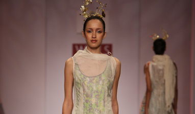 Paranoia mingles with Arabian Days at Wills India Fashion Week!