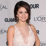 Broken hearted Selena Gomez urges fans to be true to themselves