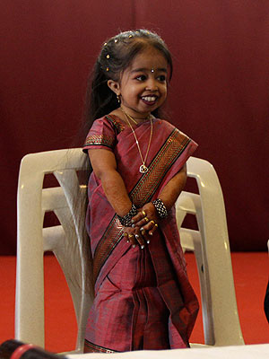 Bigg Boss 6: After Imam's exit, world's shortest woman to enter the house now