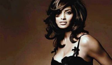 Bipasha Basu to experiment with sci-fi