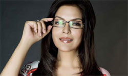Zeenat Aman to walk the ramp at IRFW