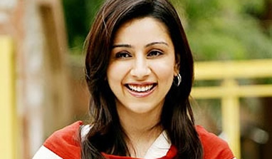Amrita Puri enjoyed attention on `Kai Po Che!` sets