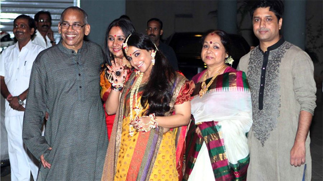 Rekha adds glamour to Vidya Balan's simple mehendi ceremony