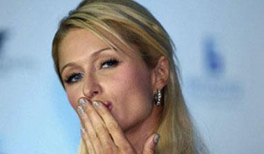 Paris Hilton gets Goa grooving