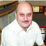Anupam enjoys dubbing for `Special Chabbis`