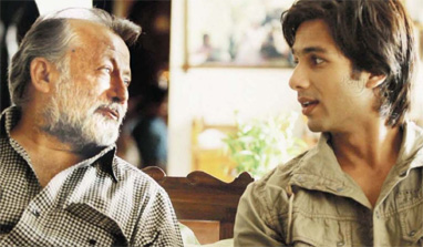 Pankaj Kapoor wants son Shahid Kapoor to marry ASAP!