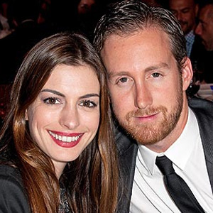 Anne Hathaway wants five kids