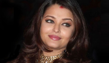 Aishwarya Rai lauds Gujarat for rapid progress