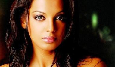 Think before stepping into showbiz, Mugdha tells young girls