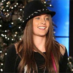 Paris Jackson says she's still single despite love tweets