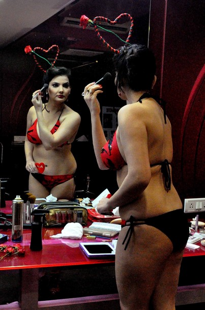India: sex strip clubs nightclubs escort -