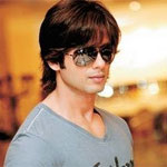 Hindi remake of `Vettai` to go on floor with Shahid in lead