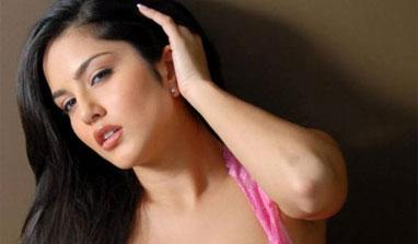 Sunny Leone is not Karen Malhotra!