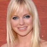 Anna Faris` red carpet mishap