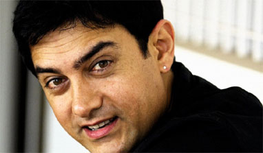 Aamir Khan bats for Sachin