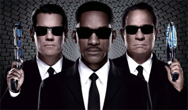 Review: 'Men In Black 3' is worth the wait!