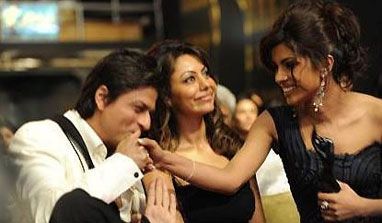 Shah Rukh's wife Gauri patches up with Priyanka