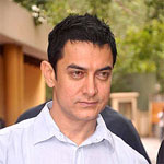 Aamir Khan follows Salman's path on foot, literally!