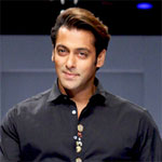 Salman pays tribute to Dara Singh, with a minute`s silence