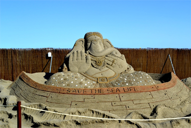 Indian sand artist Sudarsan Pattnaik wins gold in Spain