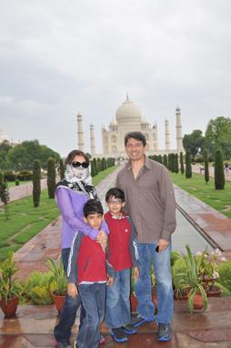 Madhuri Dixit in disguise at Taj