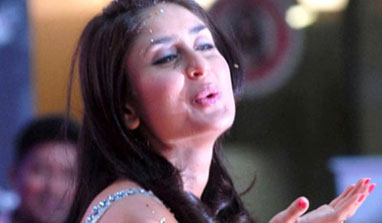 `Heroine` will be Kareena`s best film: Karisma