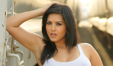 Salman Khan tops Sunny Leone`s co-star wish list