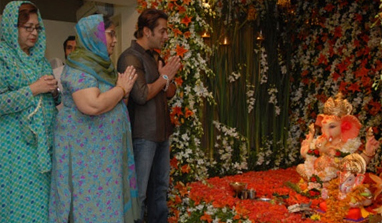 When Salman Khan's home turns Lord Ganesha's abode…