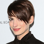 Anne Hathaway set to star in Shakespeare adaptation