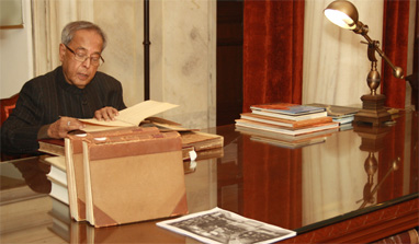 Digitisation of presidential library high on Pranab`s agenda