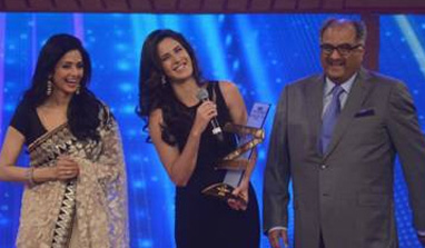 It's a huge honour to stand next to Sridevi: Katrina Kaif at Zee Cine Awards 2013