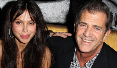 Mel Gibson`s ex girlfriend sues lawyers