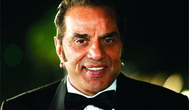 Dharmendra fine, busy celebrating Bobby`s birthday
