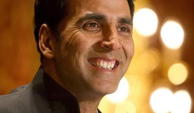 Akshay Kumar croons at Hockey India League match