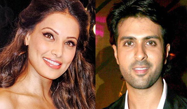 Are Bipasha Basu and Harman Baweja moving towards a romantic relationship?