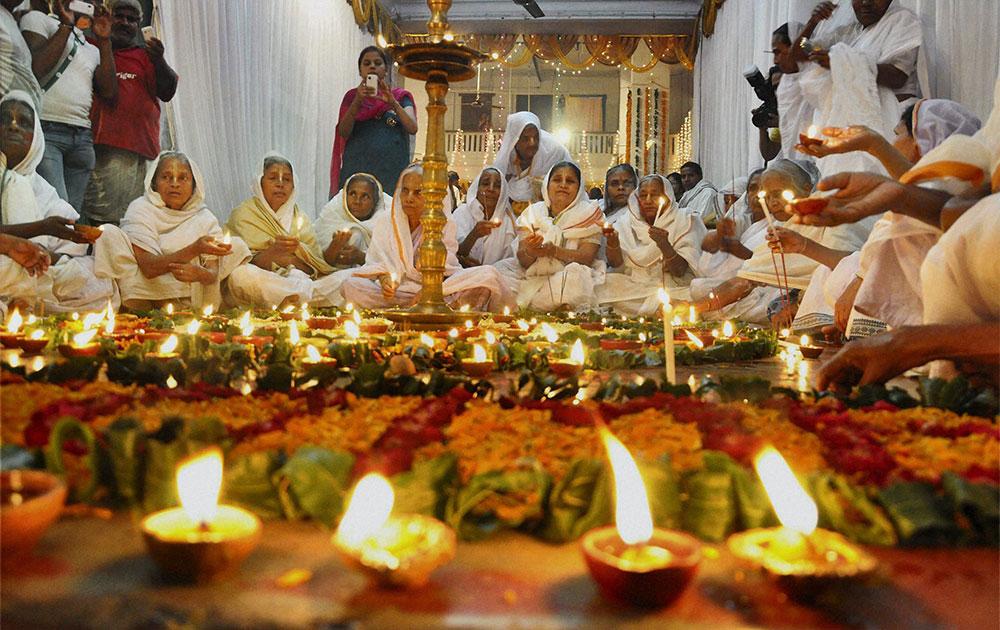 Bengali widows celebrating Diwali organized by NGO Shulabh International, in Vrindavan.