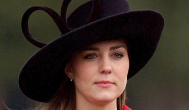 Italian mag publishes pics of pregnant `bikini-clad` Kate Middleton