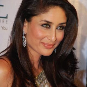 Will show a contemporary and modern Kareena at Lakme Fashion Week: Namrata Joshipura