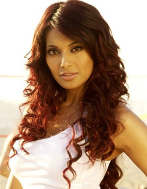 Bipasha Basu not keen on art films, says nobody watches them