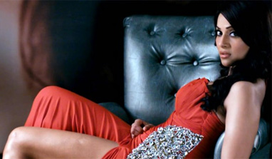 'Aatma': I do the irregular roles, says Bipasha Basu