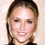 Brooke Mueller warns against publishing her nude photos