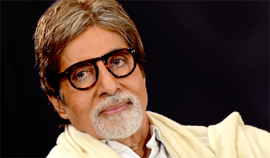 Amitabh Bachchan shows `The Great Gatsby` trailer to Kareena Kapoor